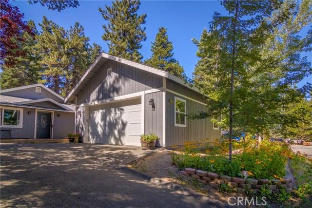 31187 All View Drive, Running Springs CA: http://media.crmls.org/medias/11c79a7d-1a39-49c5-86a3-a1d212241d66.jpg