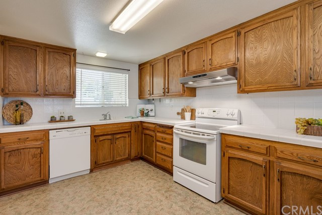 1330 Southwood Drive, San Luis Obispo CA: http://media.crmls.org/medias/11cff351-af2b-45f8-84af-baeaefb79b1f.jpg