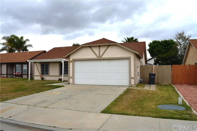 1060 Bluebell Way Hemet, CA 92545 is listed for sale as MLS Listing CV16091973