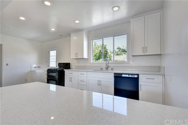 Single Family Home for Sale at 3939 Mcnab Avenue Long Beach, California 90808 United States