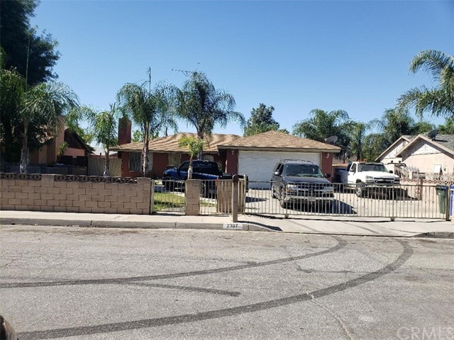 2387 Saint Elmo Dr, San Bernardino, CA 92410 Photo