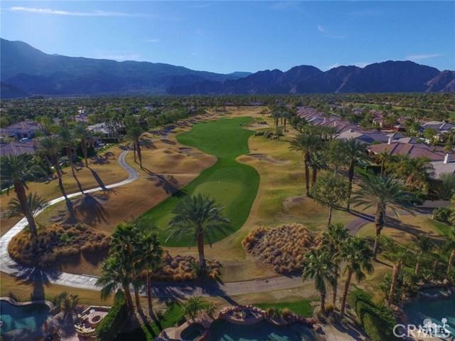 56435 Mountain View Drive, La Quinta CA: http://media.crmls.org/medias/11fb607d-2006-4d07-83d7-612352bd8b14.jpg