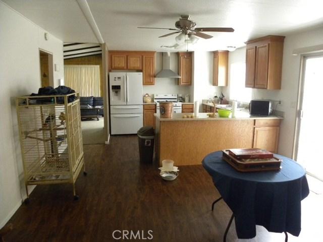 40897 Laredo, Cherry Valley CA: http://media.crmls.org/medias/12005fd7-ae54-4eeb-9aae-ca54bad1b3d2.jpg