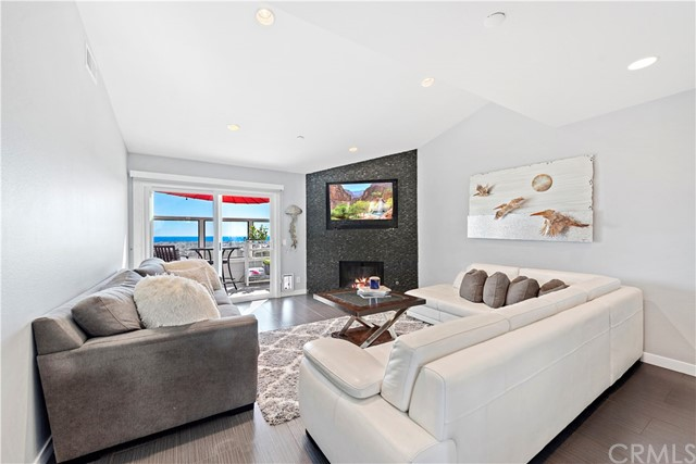 Detail Gallery Image 1 of 1 For 2107 Calle Ola Verde, San Clemente, CA 92673 - 2 Beds | 2 Baths