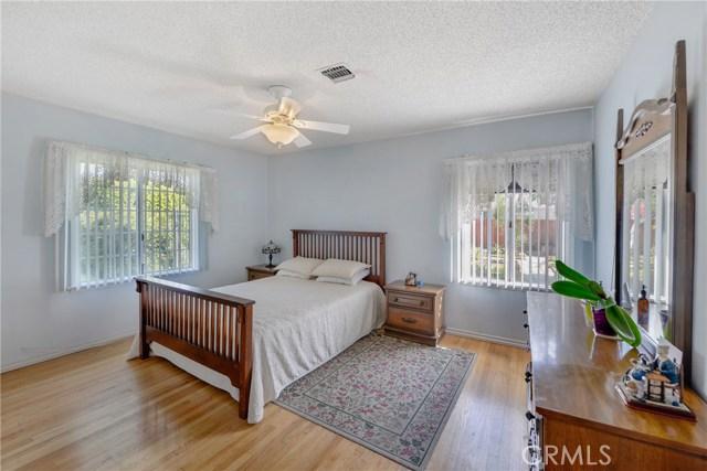 5402 Ben Alder Avenue, Whittier CA: http://media.crmls.org/medias/1204f7ba-a812-4edd-8a44-a8d40f303213.jpg