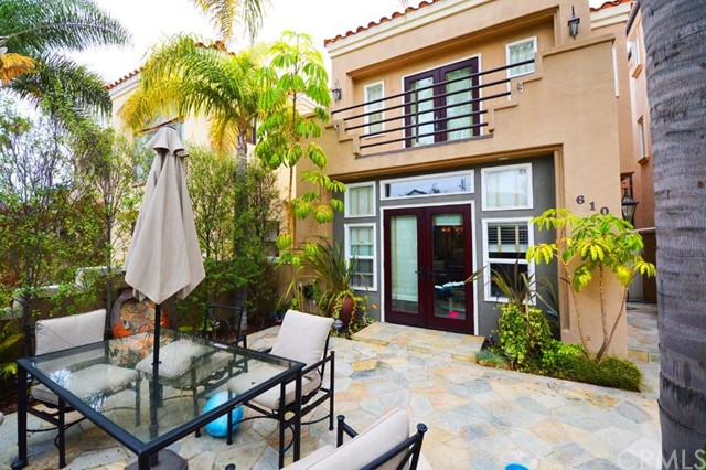 Single Family Home for Rent at 610 9th St Huntington Beach, California 92648 United States