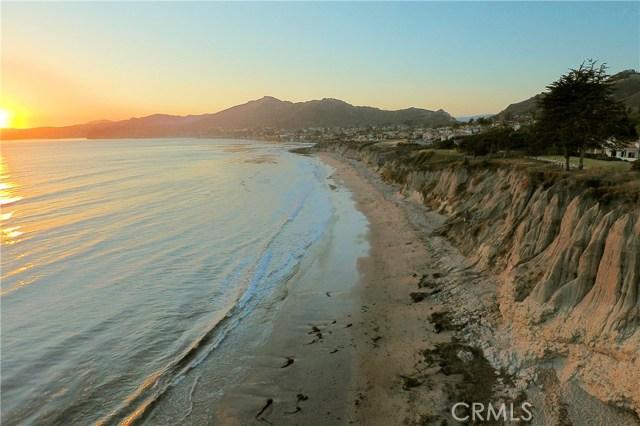 215 Radda Way, Pismo Beach CA: http://media.crmls.org/medias/1218971e-960f-439e-b78e-8c6a4609f157.jpg
