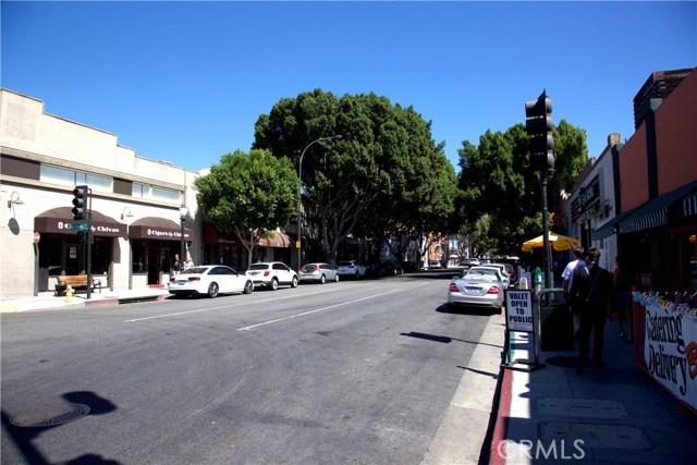 111 S De Lacey Avenue, Pasadena CA: http://media.crmls.org/medias/121f7b61-20f8-40da-a127-9bac48378e76.jpg