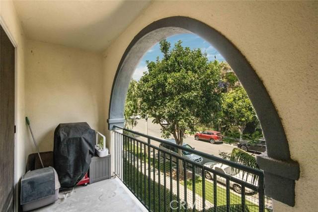 12963 Runway Road, Playa Vista CA: http://media.crmls.org/medias/1221c890-cff1-4f49-acb6-7656702881e9.jpg