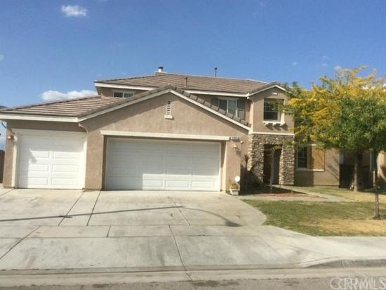 21202 Richmond Circle , CA 92646 is listed for sale as MLS Listing OC18237909