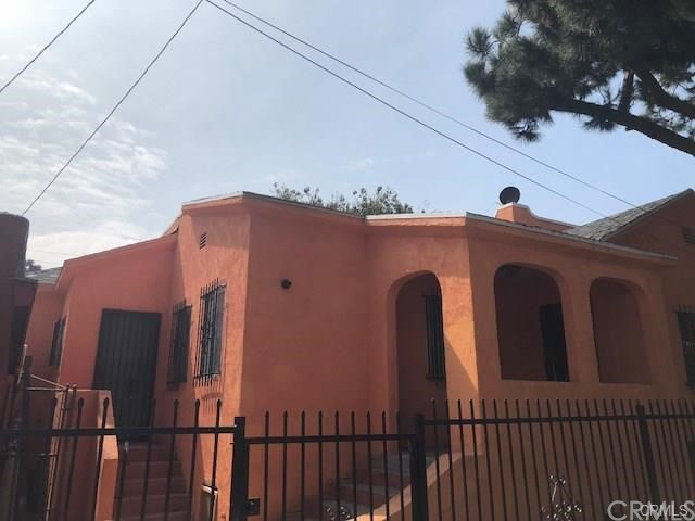 1158 E 88th Place, Los Angeles CA: http://media.crmls.org/medias/12267a25-3fa2-4aa4-8153-b1e4038bb5b0.jpg