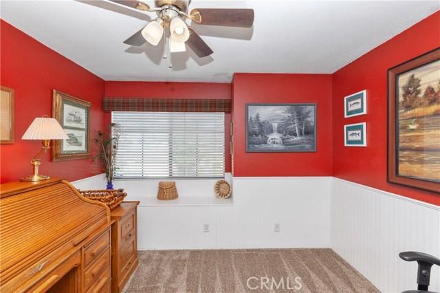 5821 Sunset Ranch Drive, Riverside CA: http://media.crmls.org/medias/122759b7-4d8c-4a66-83b2-75a14966126c.jpg