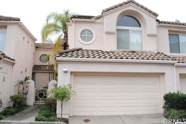 Townhouse for Sale at 1906 Caminito De La Valle Glendale, California 91208 United States