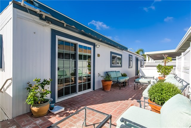 279 Cambridge Way, Newport Beach CA: http://media.crmls.org/medias/1233255b-b311-4686-b8f6-707ccf45aa82.jpg