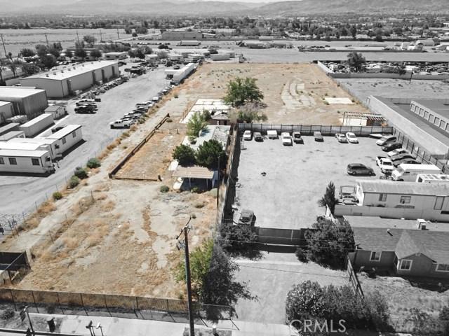 916 E Avenue P8, Palmdale CA: http://media.crmls.org/medias/12381e15-365c-4ac9-8e0f-b9ef82dcca48.jpg