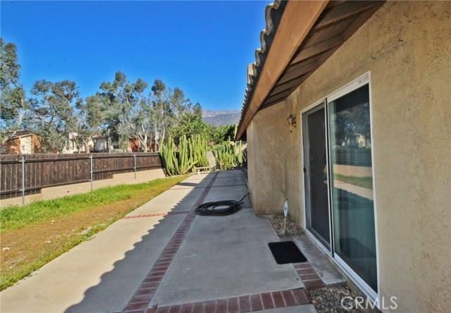 6250 Dakota Avenue, Alta Loma CA: http://media.crmls.org/medias/123a70e5-97b5-4c0a-80f5-b98ad52df574.jpg