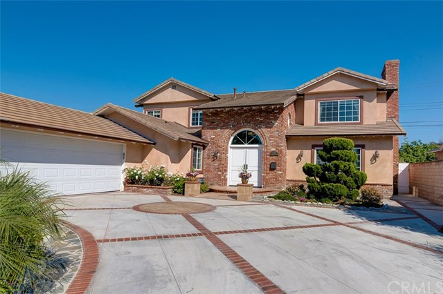 Single Family Home for Sale at 11432 Kensington Rd Rossmoor, California 90720 United States