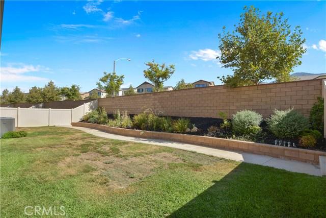 11377 Hutton Road, Corona CA: http://media.crmls.org/medias/1247e07d-3548-4357-a301-c6af6e52173a.jpg