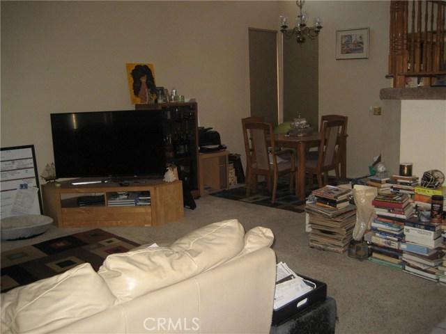 945 Amherst Street, Corona CA: http://media.crmls.org/medias/124b7c8f-b6f4-457a-a86f-cfbcc380e5cb.jpg