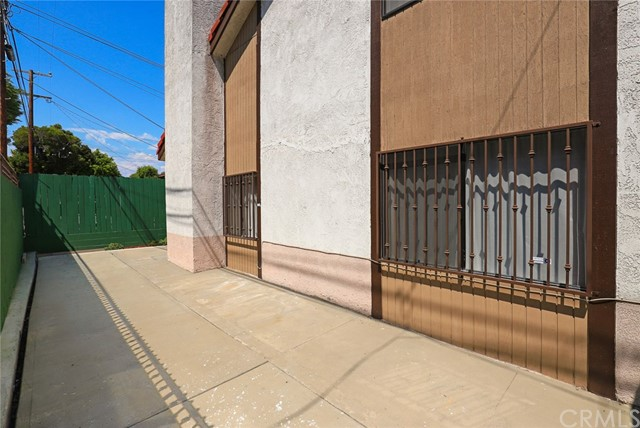 515 N Mcpherrin Avenue, Monterey Park CA: http://media.crmls.org/medias/1254c911-e2b6-4f8c-80f3-94984befbe7b.jpg