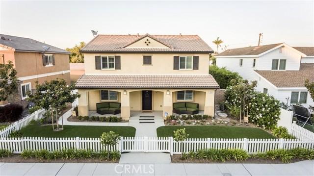 独户住宅 为 销售 在 304 Costa Mesa Street 科斯塔梅萨, 加利福尼亚州 92627 美国