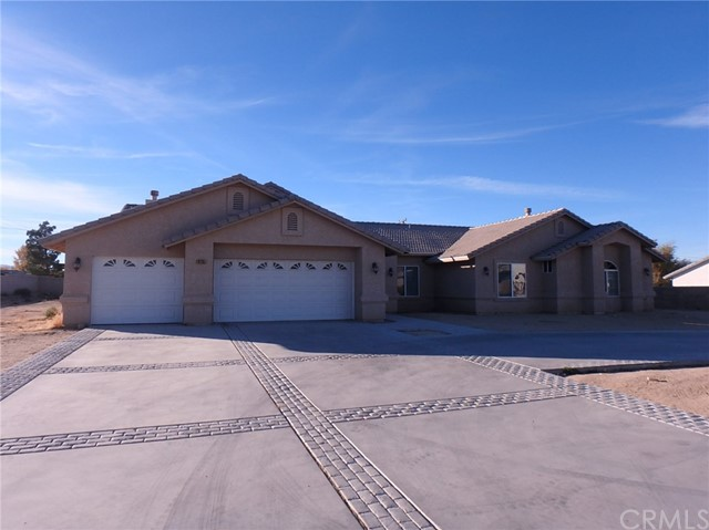 19285 Tomahawk Road, Apple Valley, CA, 92307
