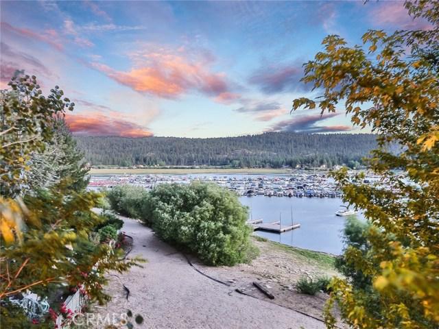 39583 Lake Drive, Big Bear CA: http://media.crmls.org/medias/129b67aa-e795-41fc-97e4-b26ea89cd8da.jpg
