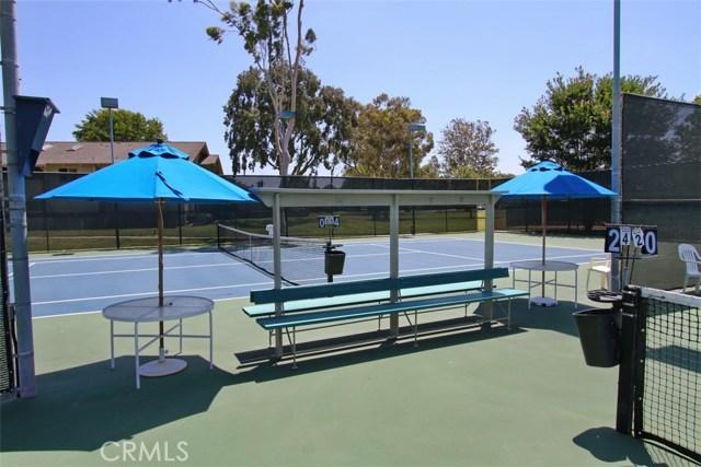 8856 Sutter Circle, Huntington Beach CA: http://media.crmls.org/medias/129dfff0-3da8-4a6a-92c0-a430aefd92c8.jpg