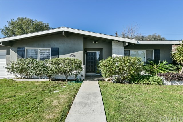 Single Family Home for Rent at 2725 Fremont Lane Costa Mesa, California 92626 United States