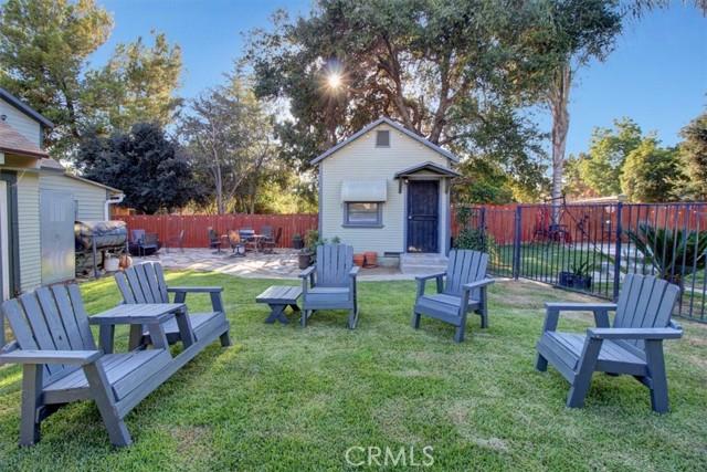 607 Royce Street, Altadena CA: http://media.crmls.org/medias/12a54b4b-1d0a-47ef-bcff-89bd480298e9.jpg