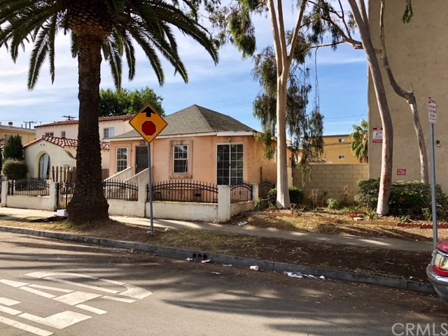 Quadraplex for Sale at 1719 Cedar Avenue 1719 Cedar Avenue Long Beach, California 90813 United States