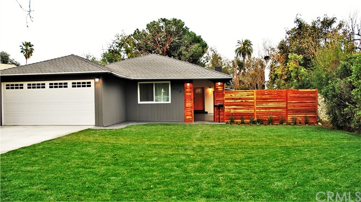 970 E Woodbury Rd, Pasadena, CA 91104 Photo 1