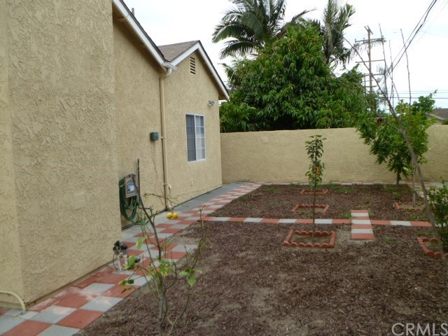 14033 Lefloss Avenue, Norwalk CA: http://media.crmls.org/medias/12bc49d8-be70-49d4-97c2-24838cb6f212.jpg