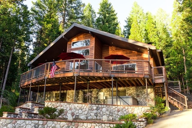 6932 State Highway 147, Lake Almanor, CA 96137