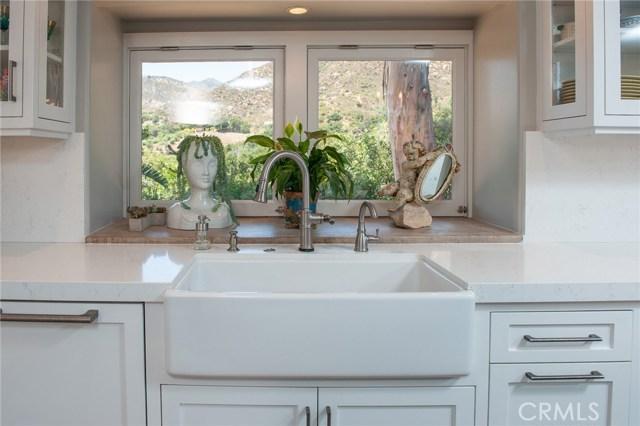 3030 Hidden Valley Lane, Santa Barbara CA: http://media.crmls.org/medias/12c712cb-fd70-4d3e-856b-4da0f6aba54a.jpg