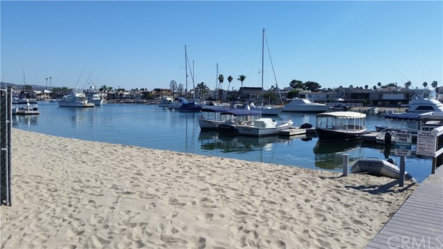 31 Beacon Bay Newport Beach, CA 92660 - MLS #: PW17246729