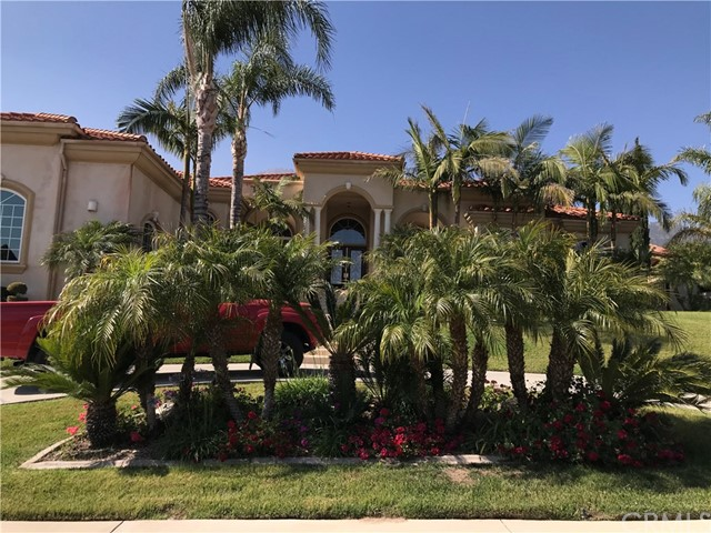 10438 Hidden Farm Road, Rancho Cucamonga CA: http://media.crmls.org/medias/12f29207-6b2e-47c3-8fd0-8a2930fb279d.jpg