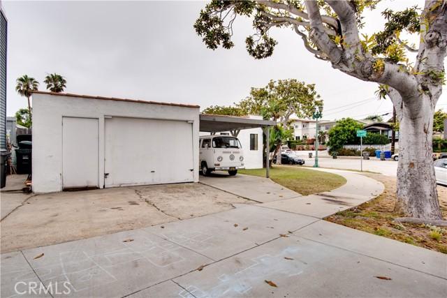 703 -705 El Redondo Avenue, Redondo Beach CA: http://media.crmls.org/medias/12f98c17-19c1-4af1-a942-bf233a445162.jpg