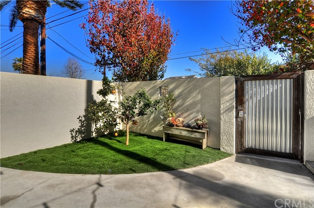 1891 Orange Avenue Unit B Costa Mesa, CA 92627 - MLS #: OC18047432