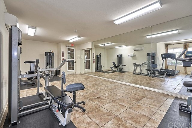 1401 S St Andrews Place Unit 103 Los Angeles, CA 90019 - MLS #: PW18138736