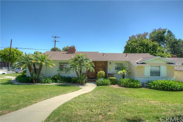 Single Family Home for Sale at 370 Bishop Drive La Habra, California 90631 United States