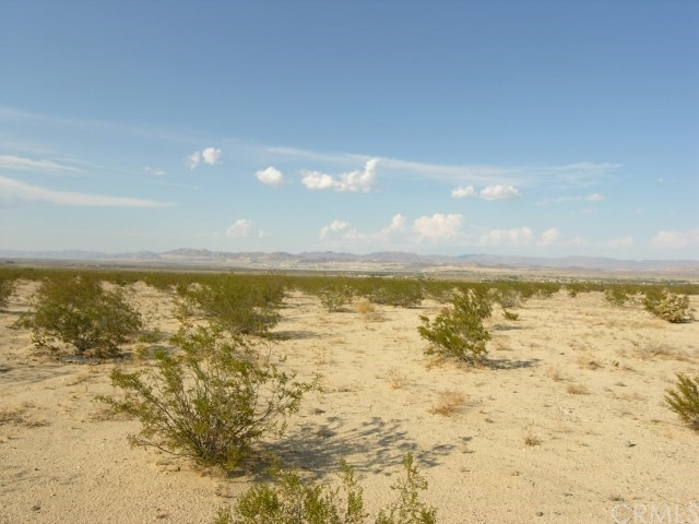 0 Two Mile Road, 29 Palms CA: http://media.crmls.org/medias/13229e66-c92a-49d1-b627-715ae74d5405.jpg