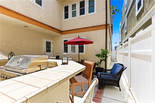 315 21st Street, Huntington Beach CA: http://media.crmls.org/medias/1322bcb1-3888-4702-bc2f-d537c81ac676.jpg