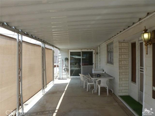 33661 Westchester Drive, Thousand Palms CA: http://media.crmls.org/medias/132dc235-6014-4b83-9d43-af6f68f78b27.jpg
