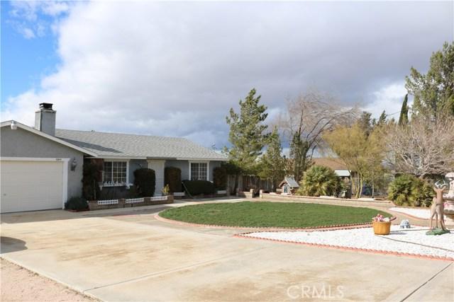 10614 Tujunga Road, Apple Valley CA: http://media.crmls.org/medias/132e0816-b574-47c8-bd77-efe545a1bfcb.jpg