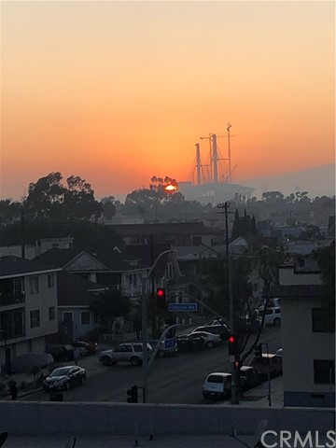 323 W 4th Street, Long Beach CA: http://media.crmls.org/medias/13310c53-5aad-4634-9431-bc76fb5ad33a.jpg
