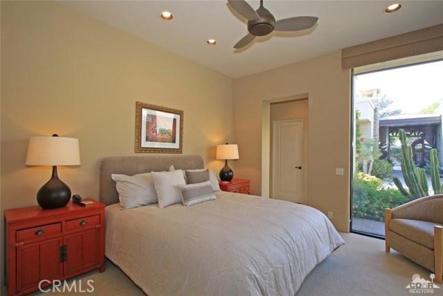 428 Morning Dove, Palm Desert CA: http://media.crmls.org/medias/1332fcb6-fead-4068-b466-5839e965078f.jpg