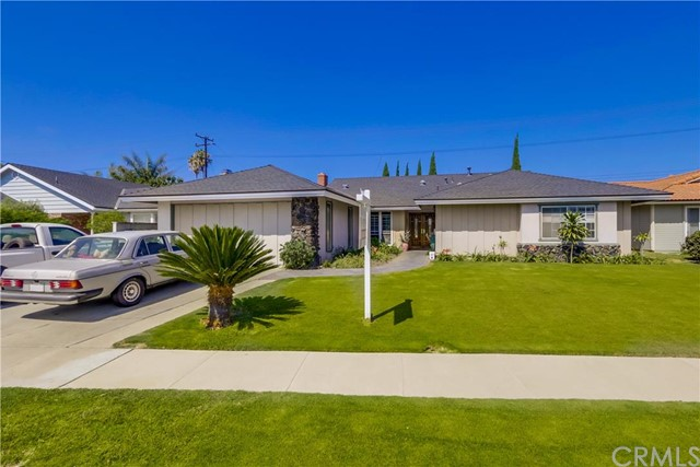 Single Family Home for Sale at 18605 Palm Street Fountain Valley, California 92708 United States