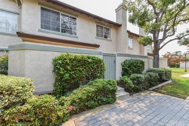 135 OXFORD 43 , CA 92612 is listed for sale as MLS Listing OC18194088