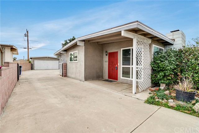 Detail Gallery Image 1 of 32 For 927 W H St, Ontario,  CA 91762 - 4 Beds | 2 Baths